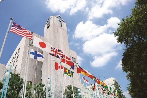 世界87カ国から留学生1,300が学ぶグローバルな環境。